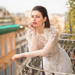 ITALY FASHION HAIR AND MAKEUP IN ROME TUSCANY UMBRIA AMALFI AND VENICE